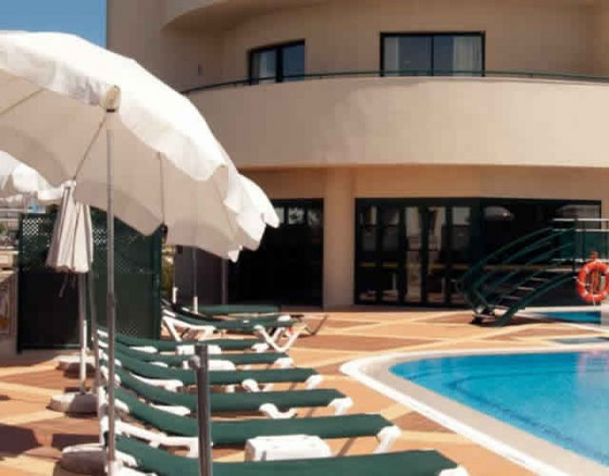 <p>Your All Inclusive hotel in AlbufeiraLocated next to the centre of Albufeira, Real Bellavista Hotel & Spa invites you for a unique experience in only one place. With family or friends, take advantage of the all inclusive holidays and fully enjoy a carefree period of leisure.</p>