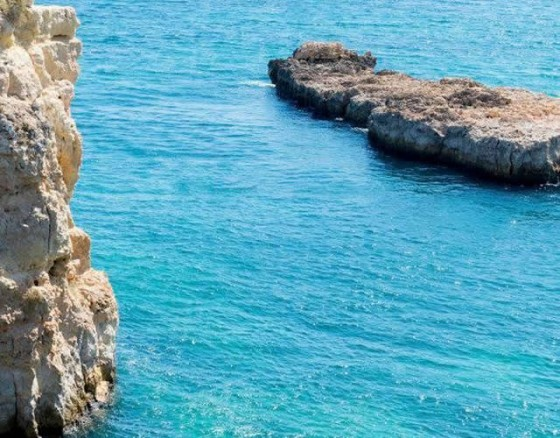 caves-coastline-vilamoura